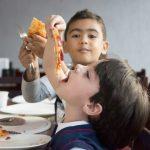 Fotos: Semana das Profissões na Educação Infantil - Pré I e Pré II aprendem ofício de pizzaiolo.